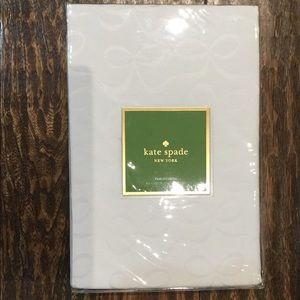 kate spade Fresh Cream Tablecloth-Size 60x102(NIP)